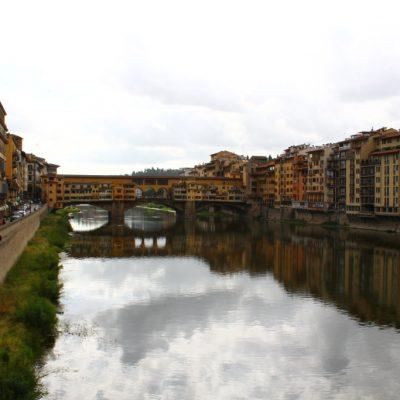 Понте векио и река Арно