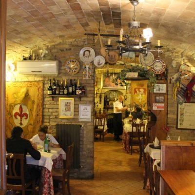 Типичен ресторант в Сан Джиминяно