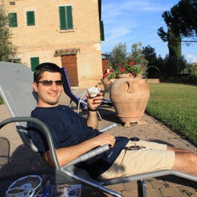 Хотел Пиколо Сан валентино - време е за италианско кафе с Тосканска панорама