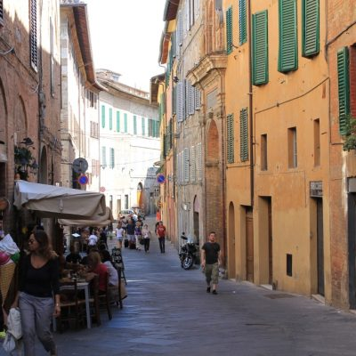 по уличките на Сиена