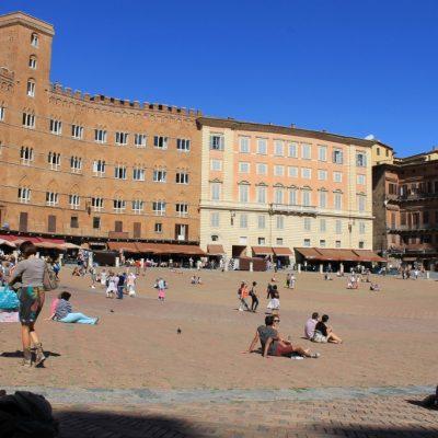 Площада Пиаца дел Кампо в Сиена