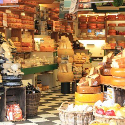 Магазините за сирена с типични си аромат са неразделна част от атмосферата на Харлем
