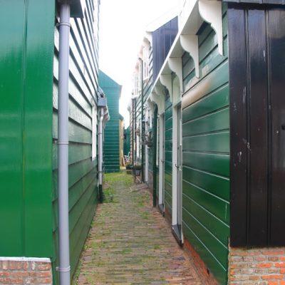 Разстоянието между къщите в Маркен е изключително тясно