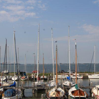 На мястото на рибарските лодки в пристанището на Маркен днес има яхти