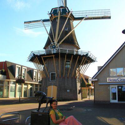 В Аалсмеер видяхме и първата оригинална вятърна мелница