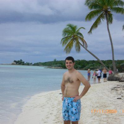 Прекрасния, тих и спокоен плаж на Coco Cay, Бахамските острови