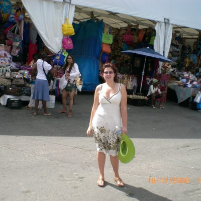 """Изключително полулярния """"Straw market"""" в Насау, който всъщност си е битак за сувенири"""