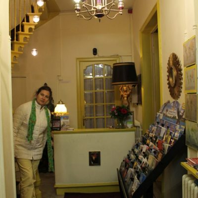 Рецепцията на хотел Van Eyck в Брюж