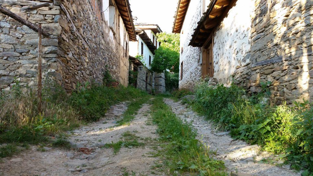 a walk in Leshten