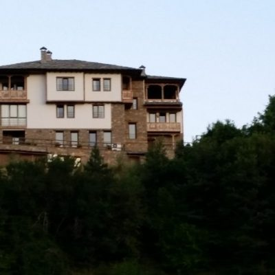 Къща за гости Панорама в Лещен