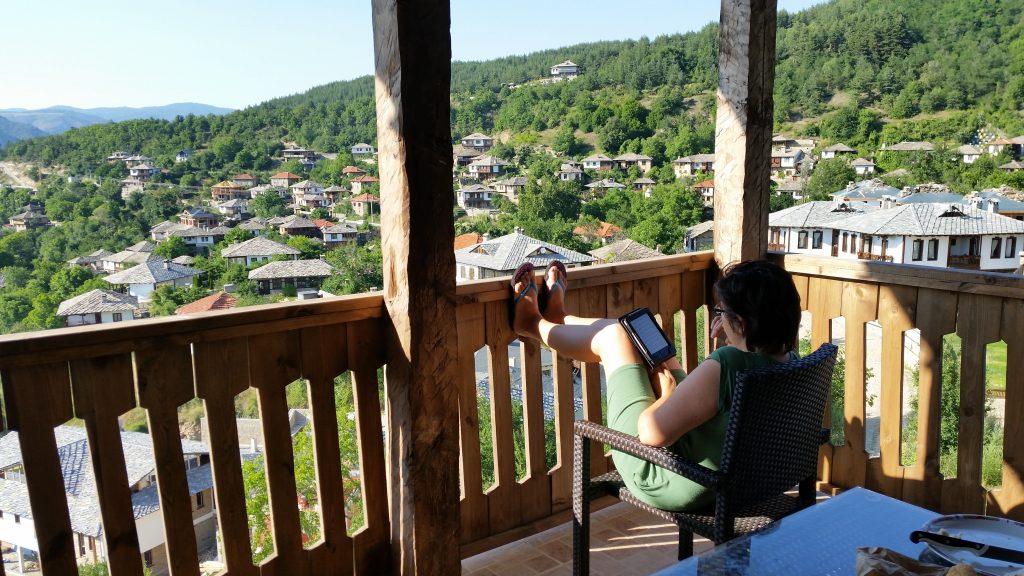 Morning in Leshten