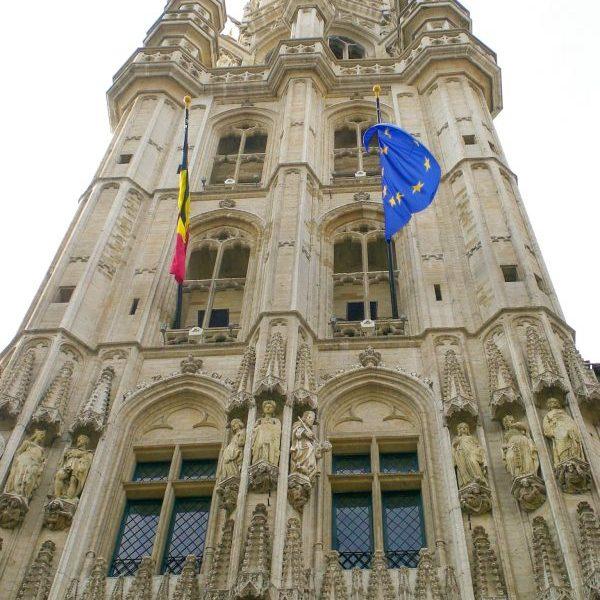 Високата 96м. камбанария на Кметството на Брюксел