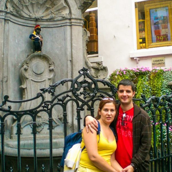"Бронзовата статуя на Пикаещото момченце ""Manneken Pis"" в Брюксел"