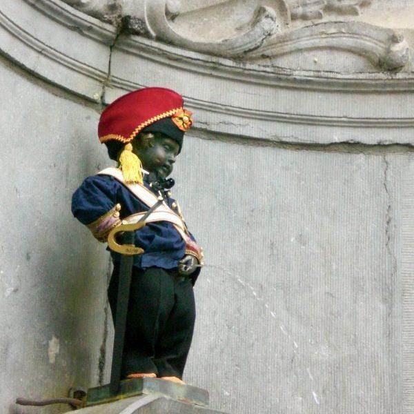 "Бронзовата статуя на ""Пикльото""в Брюксел"
