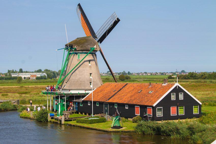 De Zoeker oil mill Zaanse Schans