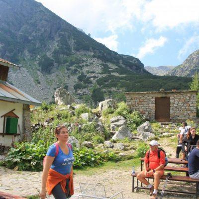 Продължението на пътеката от хижата към връх Мальовица