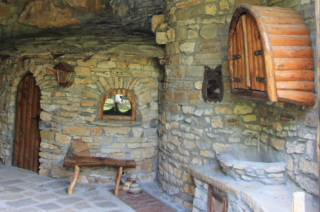 Karlukovo stone houses