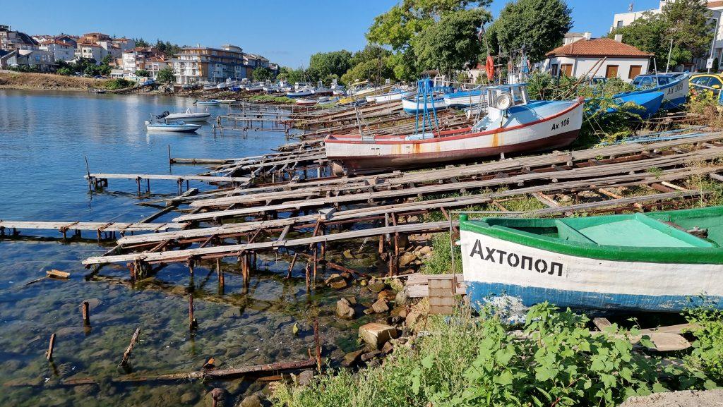 Рибарското пристанище на Ахтопол