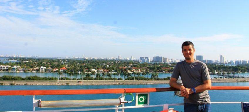 Carnival Breeze leaving Miami