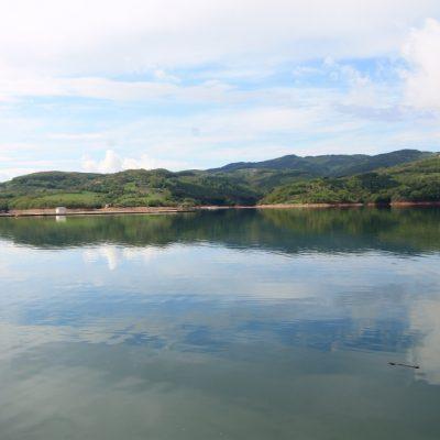 язовир Кърджали огледалния ефект на водата