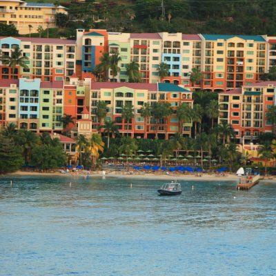 Един от крайбрежните хотели