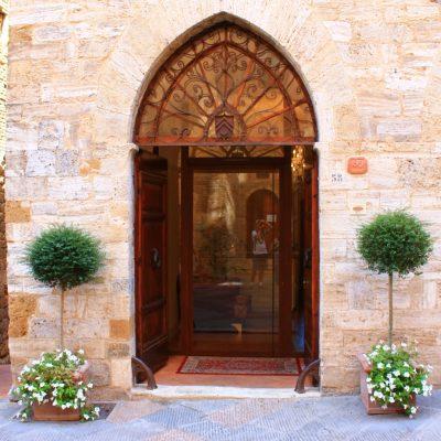 Сан Джиминяно - вход на галерия