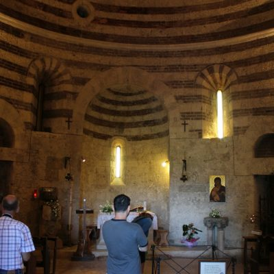 Кръглата църква в Монтесиепи построена от Сан Галгано