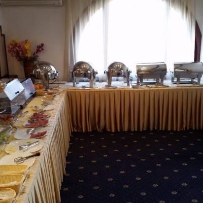 Закуската в хотел Каменград