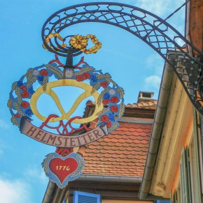Почти всяка къща в Колмар си има свой собствен герб